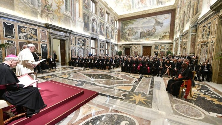 Papa discursou para 450 participantes de Seminário sobre drogas e vícios  (Vatican Media)