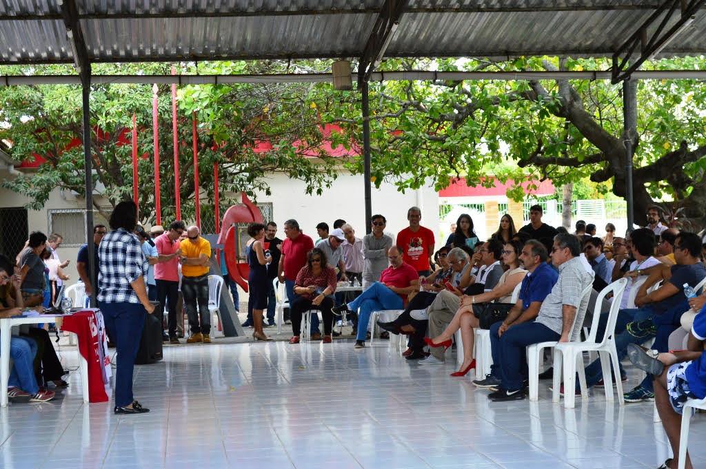 Professores da UERN discutem pauta de reivindicações que será entregue a Fátima Bezerra