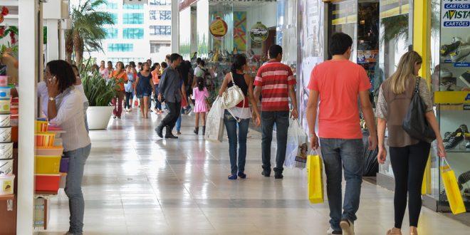 Pesquisa: 60% dos mossoroenses pretendem ir às compras neste final de ano