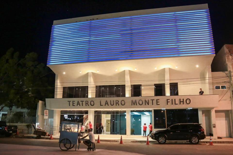 Teatro Lauro Monte Filho é reaberto após reforma