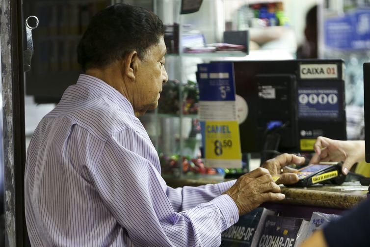 Cresce número de compras online realizadas por pessoas acima dos 60 anos