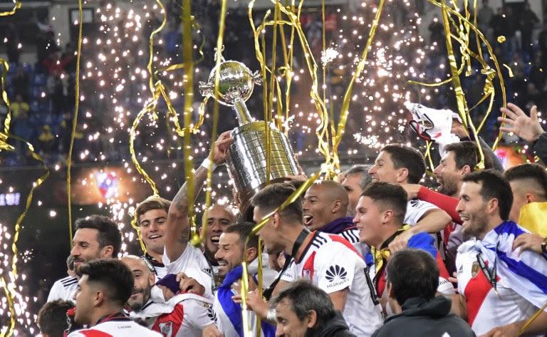 River vence Boca de virada e é campeão da Libertadores