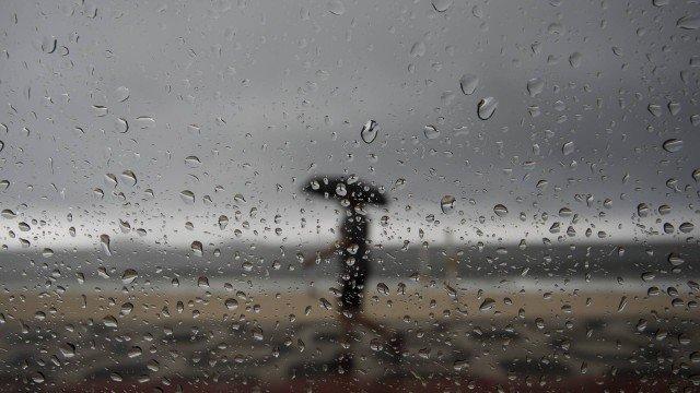 x80044622_ri-rio-de-janeiro-rj-26-11-2018-chuva-forte-atinge-a-cidade-do-rio-na-foto-a-praia-de-i.jpg.pagespeed.ic.cfa3uE_Io6