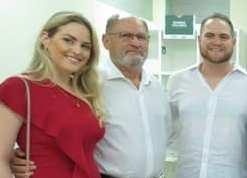 O vice-presidente da FIERN, Pedro Terceiro de Melo, acompanhado de seus filhos, Raissa e Ciro Melo, inauguraram a Biblioteca do Conhecimento SESI Marise Maia de Holanda melo em Apodi.