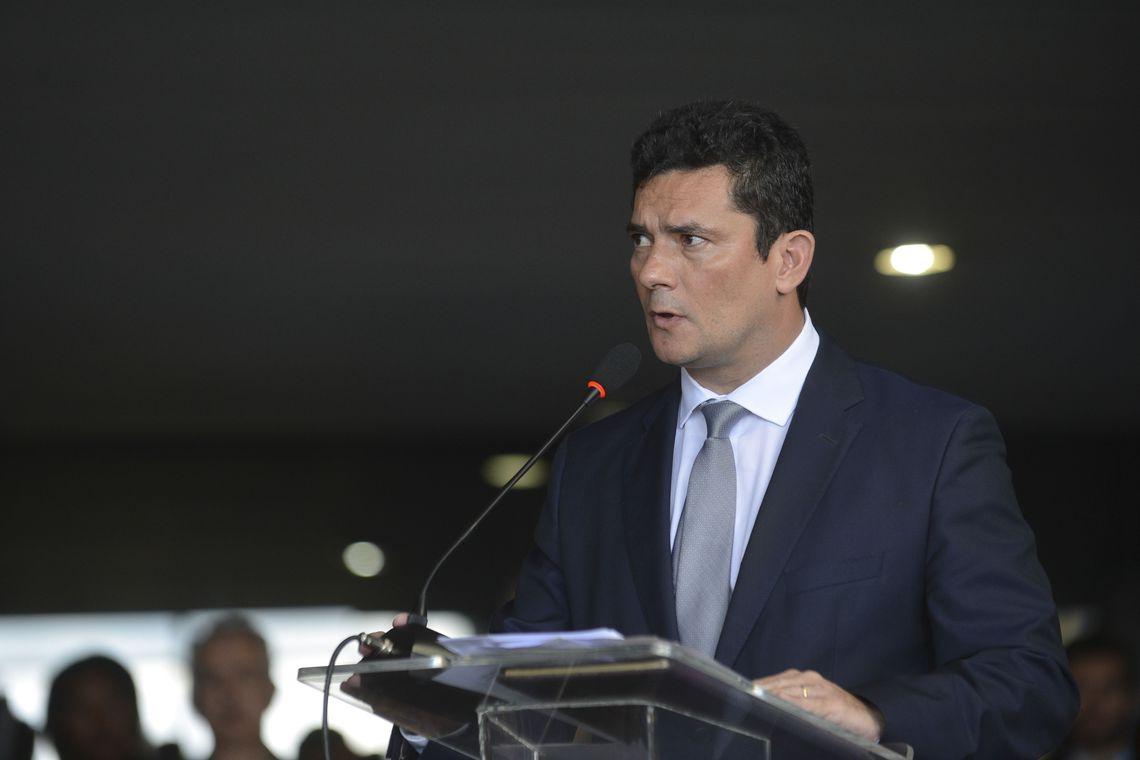O ministro da Justiça e Segurança Pública, Sérgio Fernando Moro, assume o cargo durante cerimônia no Palácio do Planalto, com a participação dos antecessores da Justiça, Torquato Jardim, e da Segurança Pública, Raul Jungmann.