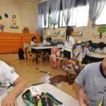 Pais se organizam para gastar menos com material escolar