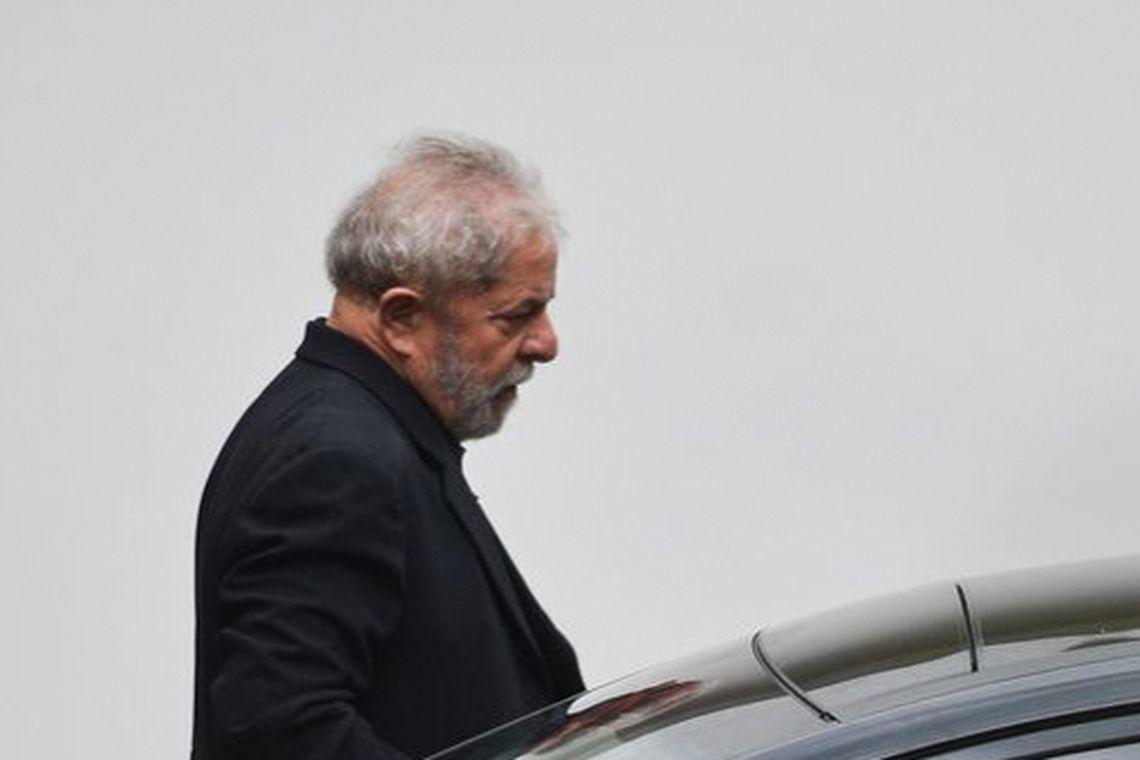 STJ reduz pena no caso do tríplex, e Lula pode sair da prisão ainda em 2019