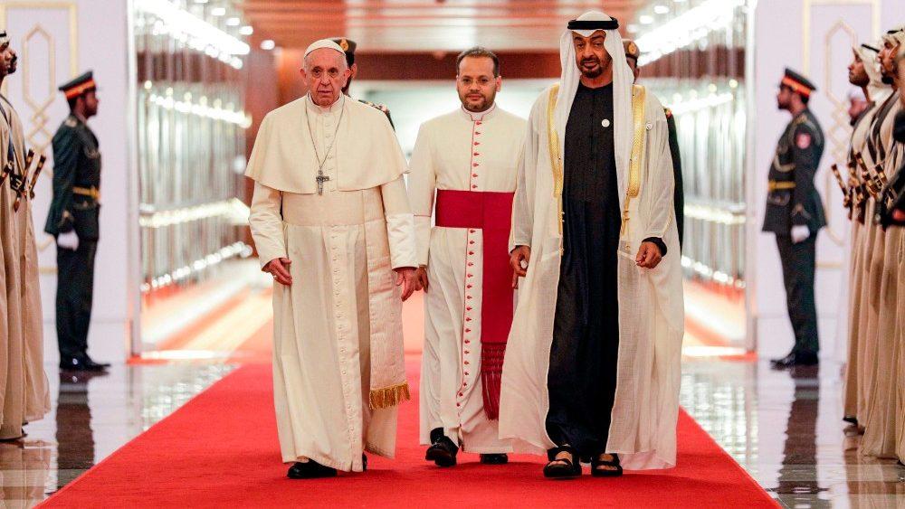 Vaticano: Papa rejeita fundamentalismo religioso e reforça colaboração com líderes islâmicos