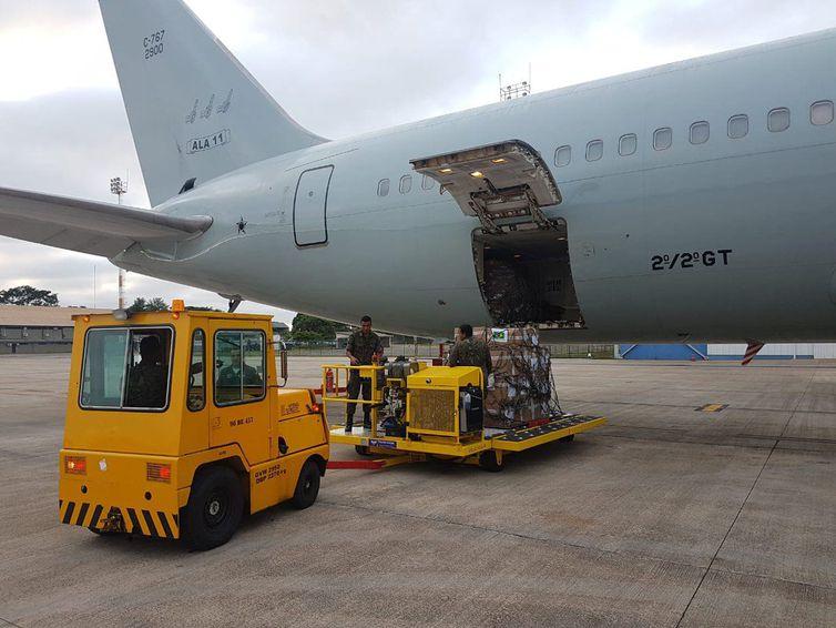 Avião da FAB saiu de Brasília com quase 23 toneladas de leite em pó e 500 kits de primeiros socorros com destino a Boa Vista, Roraima para a ajuda humanitária colocada à disposição dos venezuelanos
