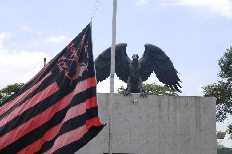 Um incêndio no centro de treinamento do Flamengo, na zona oeste da cidade do Rio de Janeiro, deixou dez mortos.