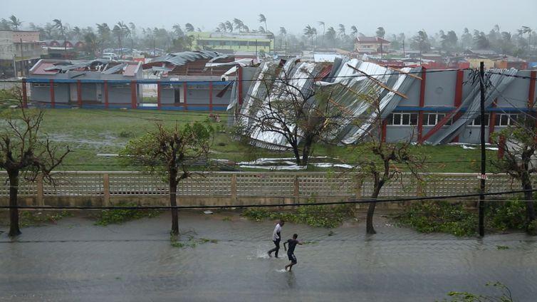 Ciclone matou 468 pessoas em Moçambique e deixou rastro de destruição(Federação Internacional da Cruz Vermelha e do Crescente Vermelho via REUTERS/Direitos reservados)