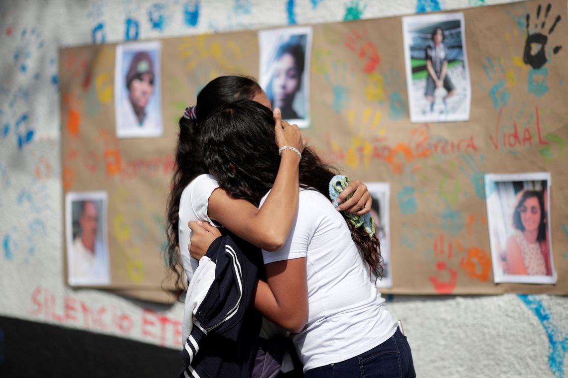 Professores da Escola Raul Brasil, em Suzano, retornam às atividades