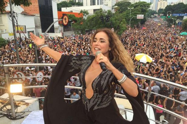 daniela_mercury_carnaval_sao_paulo_2017_pipoca_da_rainha_bloco_gay