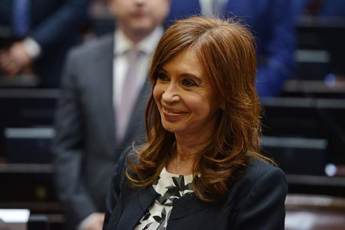 Cristina Kirchner anuncia candidatura a vice-presidência da Argentina