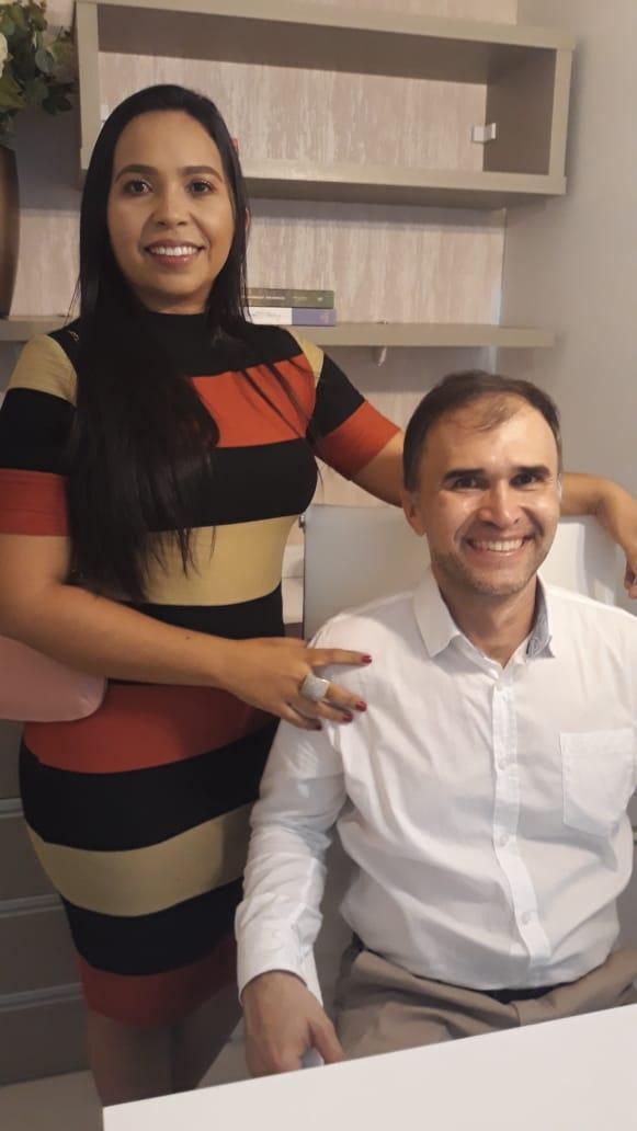 O dentista Eugênio Marinho, juntamente com sua esposa Irma Feitosa, inauguraram seu novo consultório nas dependências do Lagoa Center.