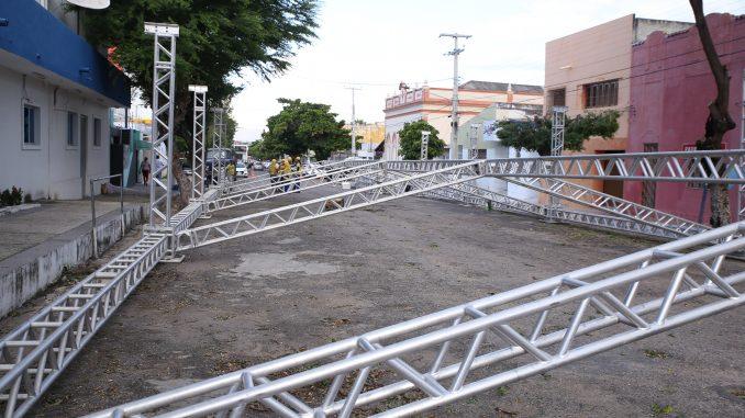 Cidadela Junina tem montagem de estrutura iniciada