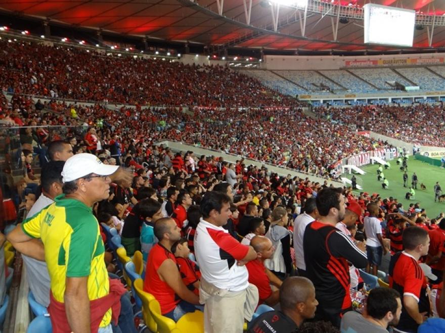 Flamengo enfrenta Atlético no Estádio Independência