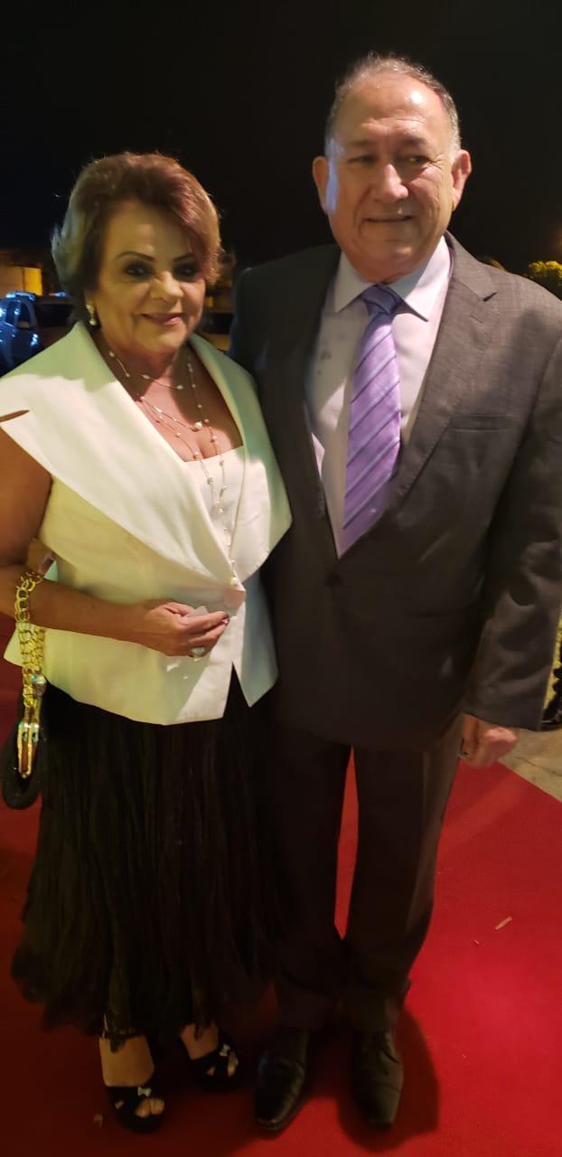 Satisfação imensa rever os queridos amigos pauferrenses Maria José e Nilton Figueiredo na Festa dos Destaques do colunista Lisboa Batista.