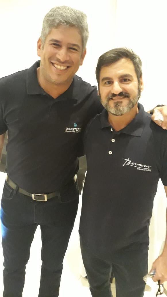 Esses dois têm um lugar bem especial em meu coração e, são duas grandes lideranças no turismos aqui no RN e CE. Márcio Costa, Supervisor da Masterop no RN e Pablo Arieta, Líder do Receptivo Azul Linhas Aéreas e Gerente Comercial do Hotel Thermas Resort. Aplausos sempre pra vocês!