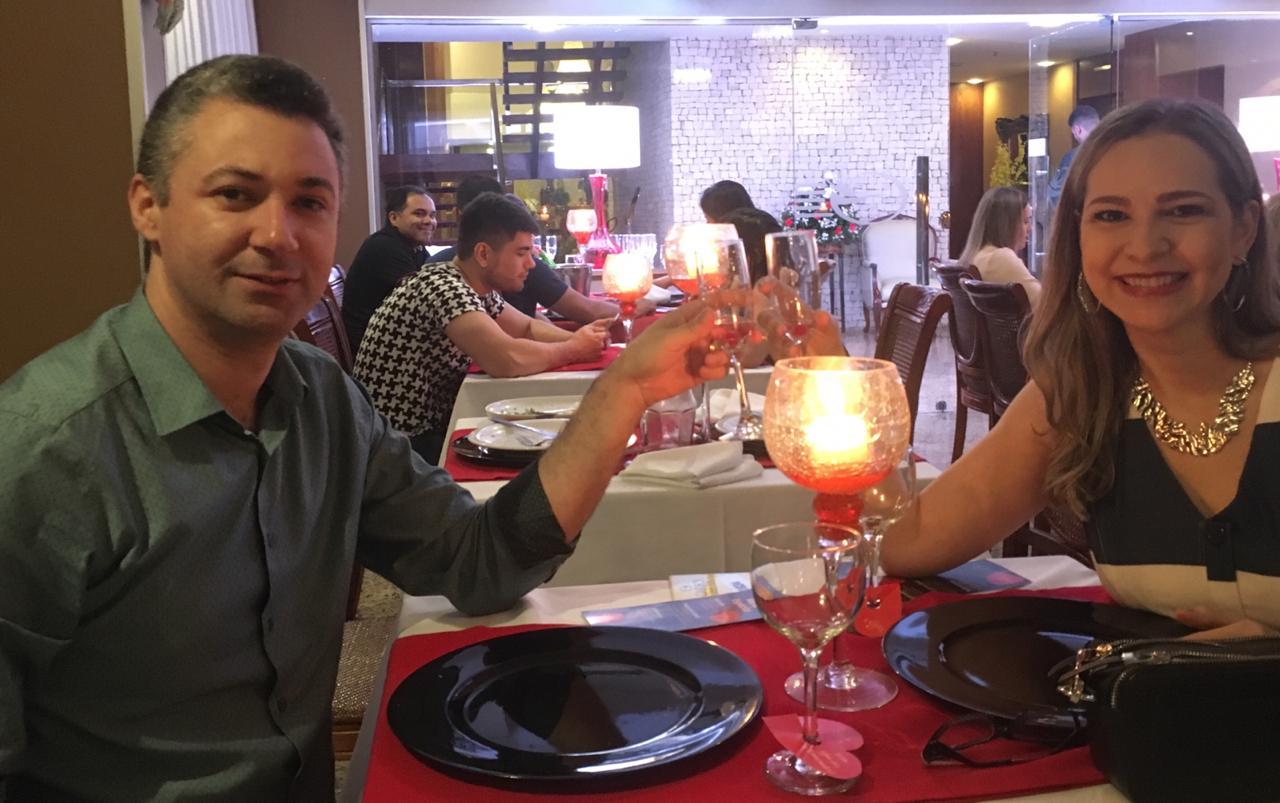 O Neurologista Alex Soares e sua musa Virna Lobo escolheram o cardápio do Garbos Hotel para celebrar o dia dos namorados. Um brinde à vocês meus queridos e felicidades sempre!