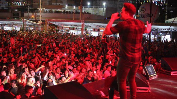Wesley Safadão leva multidão para a Estação das Artes em primeiro dia de shows do MCJ