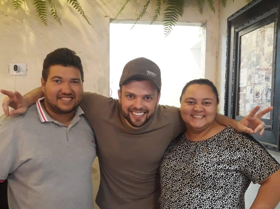 Ao lado do Chefe Kadu Barros o casal Empório dos Mimos Carlos Henrique e Glauquia Pacheco que estão em São Paulo participando da Feira Internacional da Panificação e Confeitaria. Arrasou