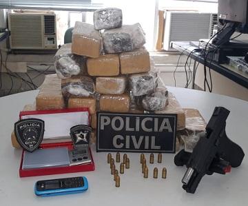 Polícia Civil apreende adolescente com arma e drogas em Mossoró