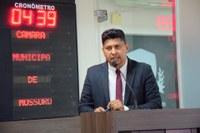 Vereador Genilson Alves, na tribuna da Câmara, nesta terça-feira, 13 (foto: Edilberto Barros/CMM)