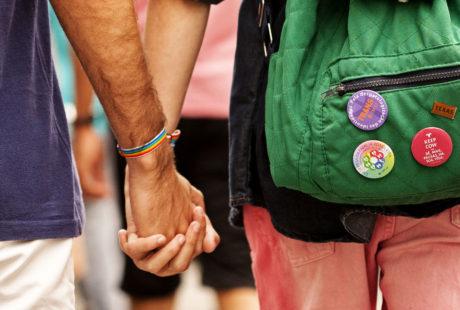 Discriminação aumenta risco de jovens LGBTI irem morar na rua