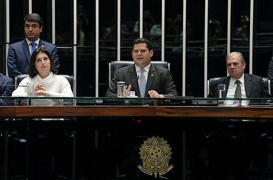 Senado vai questionar no Supremo operação da PF em gabinete, afirma Davi