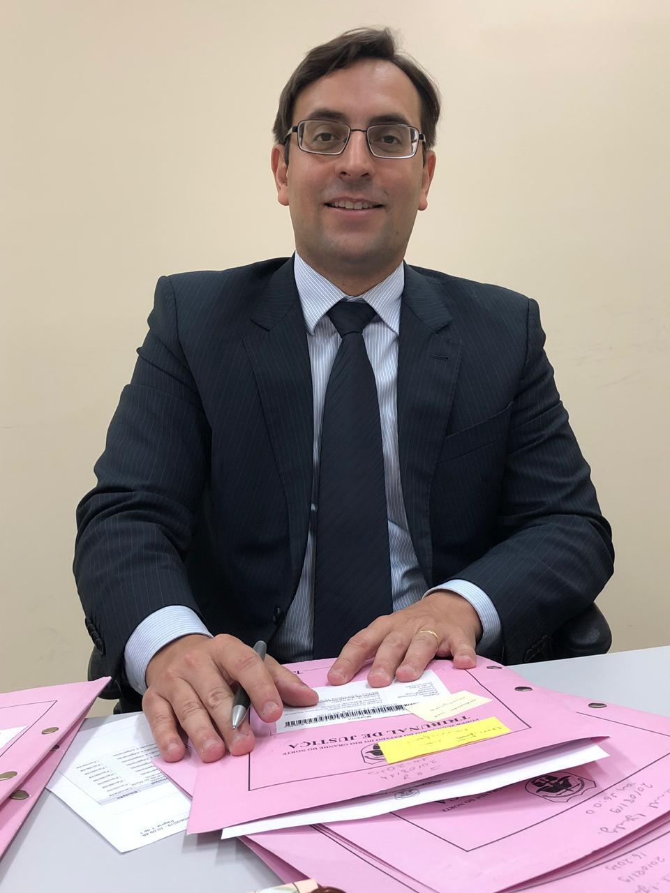 Juiz de Direito do 4º Juizado Especial Cível, Criminal e da Fazenda Pública da Comarca de Mossoró,