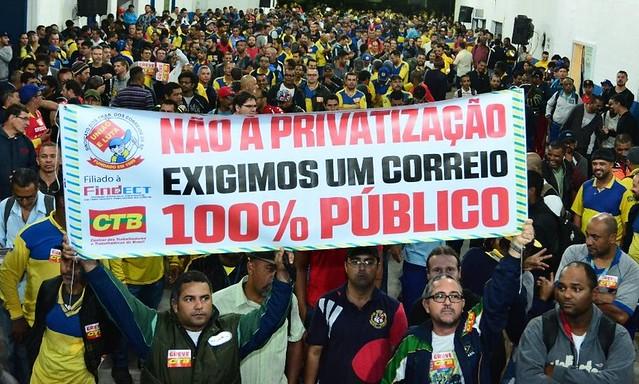 Na contramão da vontade popular, Bolsonaro pretende privatizar estatais