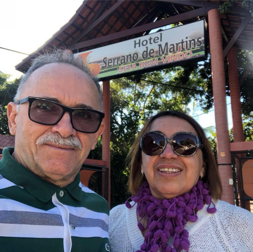 Aniversariante do domingo o contador Francisco De Assis Brito na foto com sua amada Wilma, claro que desejamos saúde e muita paz. Parabéns!