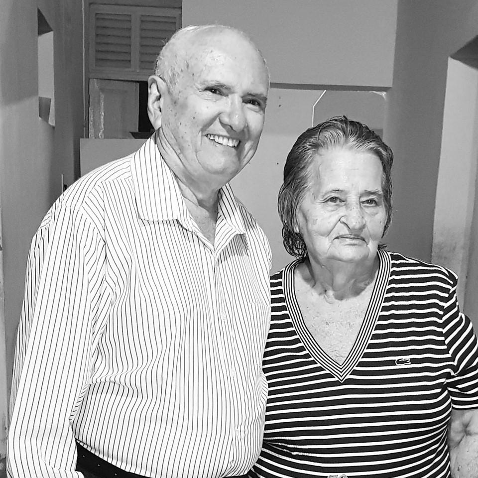 Parabéns ao casal Sebastião Gurgel e sua amada Salete Soares Gurgel pelos 52 Anos de cumplicidade na vida a dois. Felicidades sempre!
