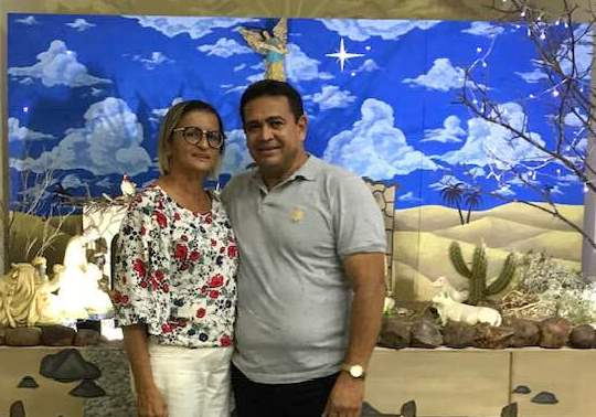 Hoje todos os vivas para o amigo Ailton Farias da cidade de Umarizal, no clique ao lado da musa Leonia. Felicidades e tudo de bom!