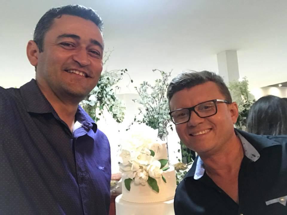 Aniversariantes festejados da semana hoje Ivanildo Costa e amanhã Cácio Santos. Desejamos saúde e paz!