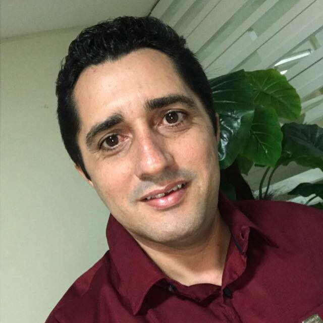 Hoje quem amanheceu de idade nova foi o amigo e empresário Leandro Ferreira Tomé, para ele desejamos saúde e muita paz. Vivas!