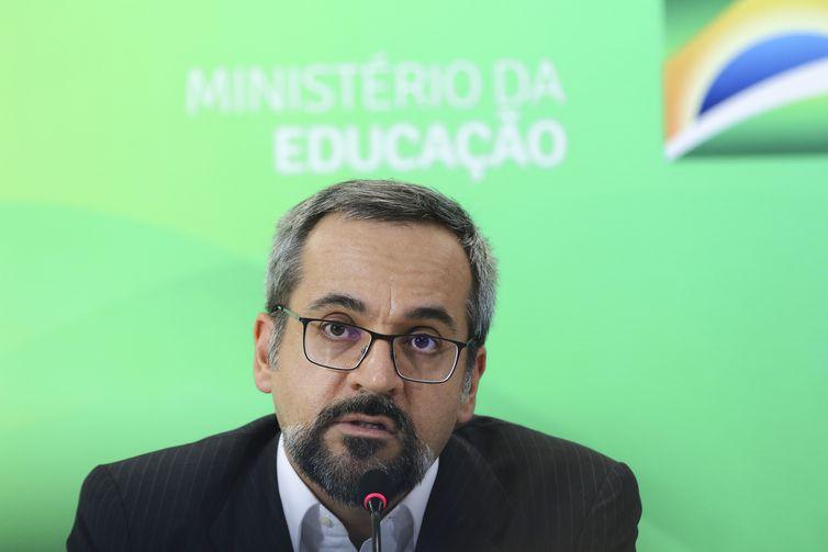 Abraham Weintraub disse que a preocupação do MEC será selecionar os melhores alunos para ocupar vagas no ensino superior(Arquivo/Fabio Rodrigues Pozzebom/Agência Brasil