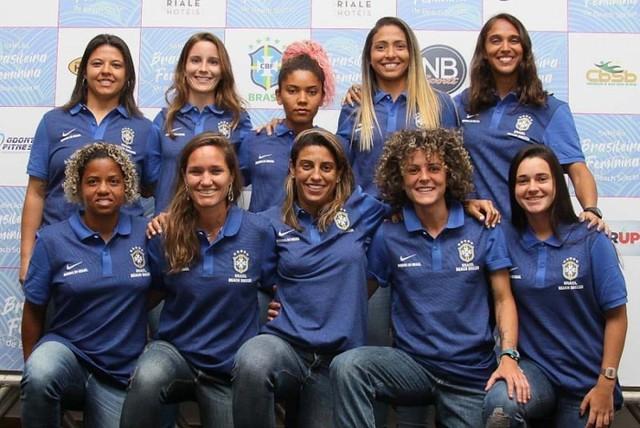 Além das 10 atletas, há uma comissão técnica de quatro membros, liderados por Fabrício Santos / CBSB