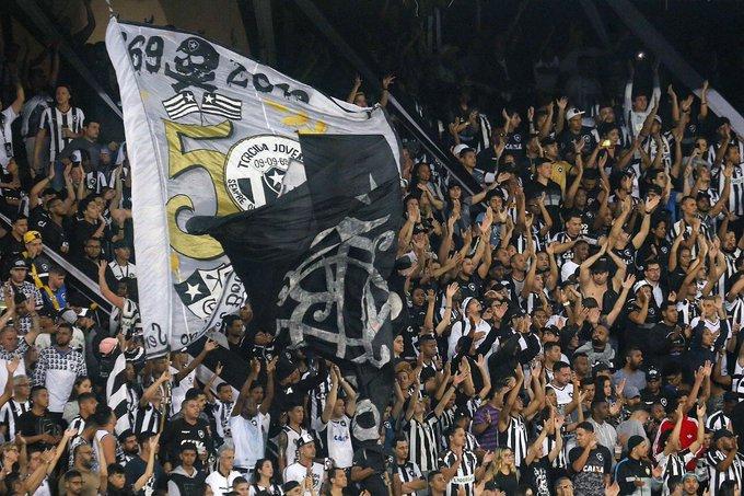 Botafogo faz promoção para mulheres contra CSA