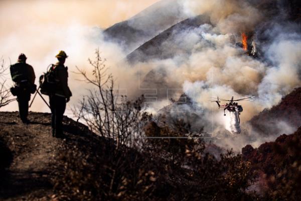 Incêndios obrigam celebridades a abandonar mansões na Califórnia