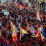 Indígenas e camponeses marcham em La Paz contra golpe na Bolívia