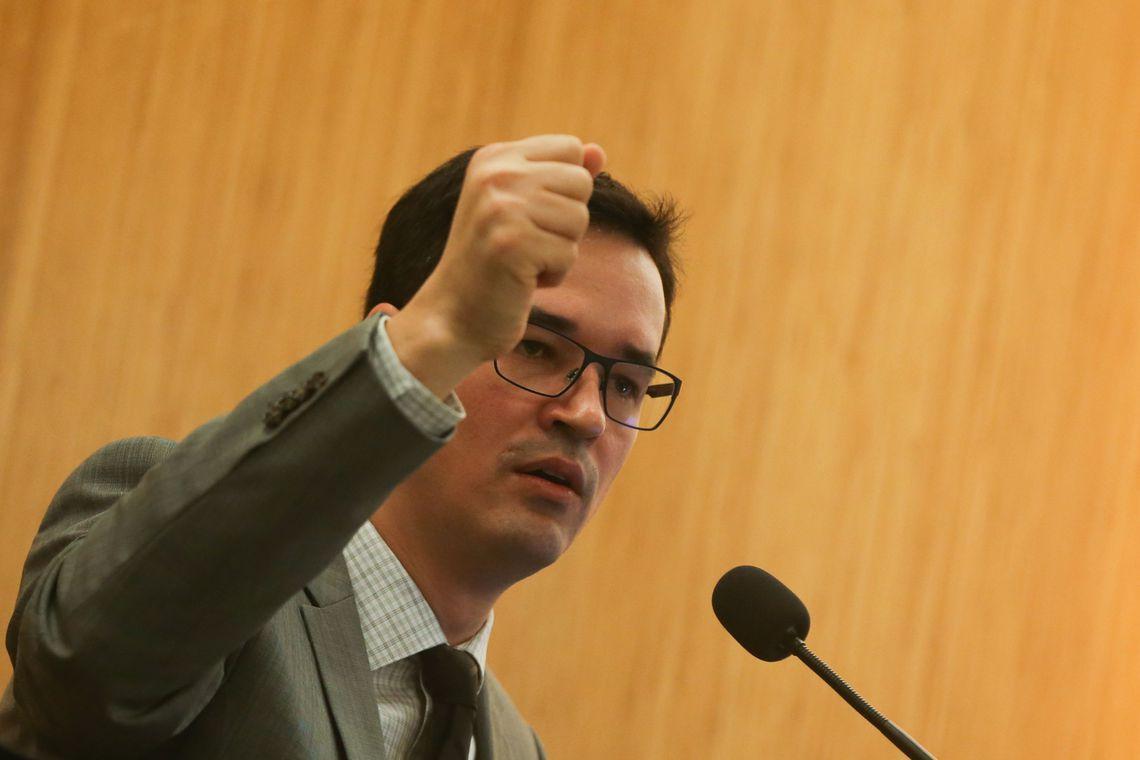 Brasília - O procurador Deltan Dallagnol participa da palestra Democracia, Corrupção e Justiça: diálogos para um país melhor, no Centro Universitário de Brasília (UniCEUB), campus Asa Norte (José Cruz/Agência Brasil)