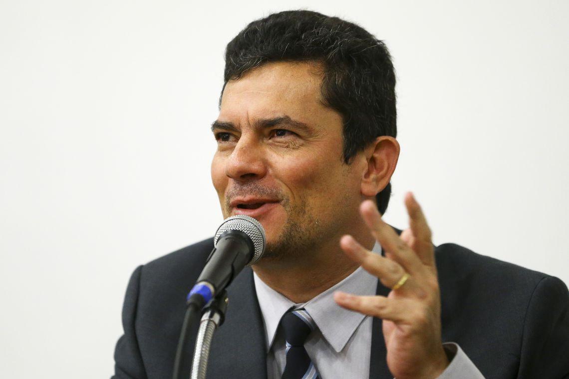 Brasileiros confiam mais em Moro do que em Lula e Bolsonaro