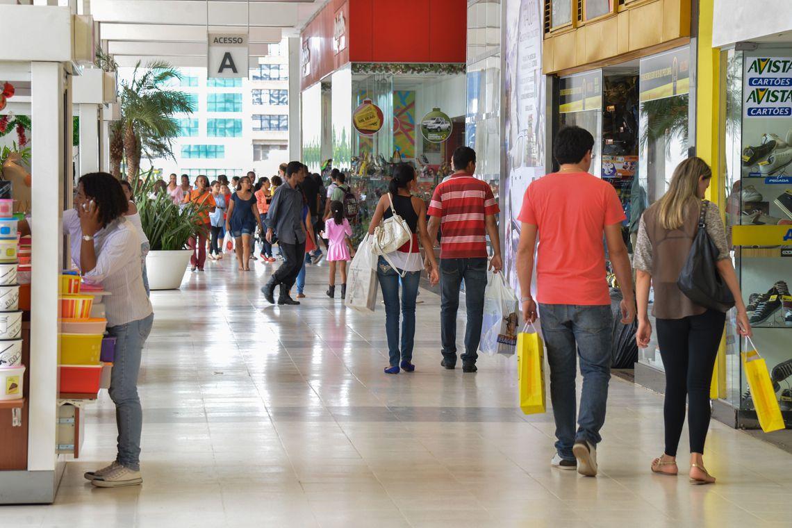 Comércio e serviços geram 28 mil vagas em setembro em São Paulo