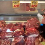 Natal sem carne: alta nos preços atinge população mais pobre no mês das festas