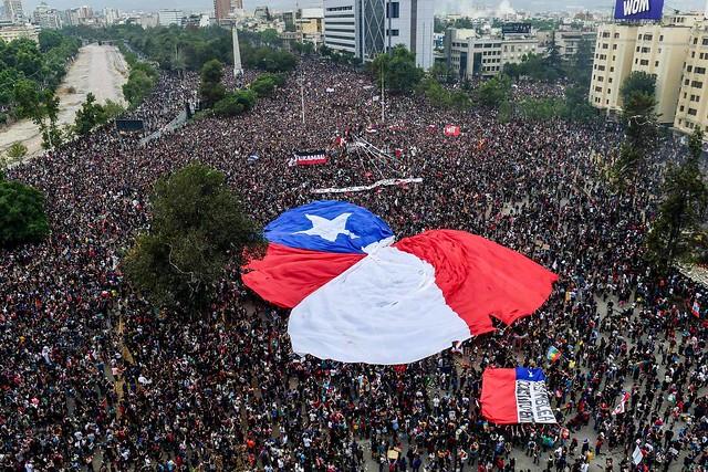 Manifestações tomaram conta do país no último mês / Martin Bernetii/AFP