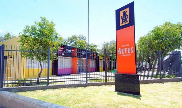 Escola de Artes abre inscrições para minicursos e oficinas de férias