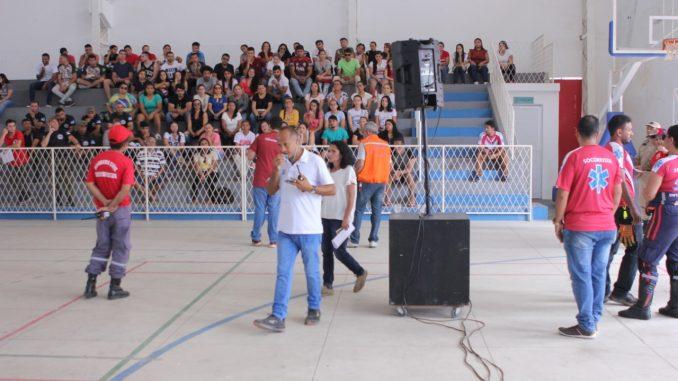 Defesa Civil realiza treinamento com voluntários que irão trabalhar na Procissão de Santa Luzia