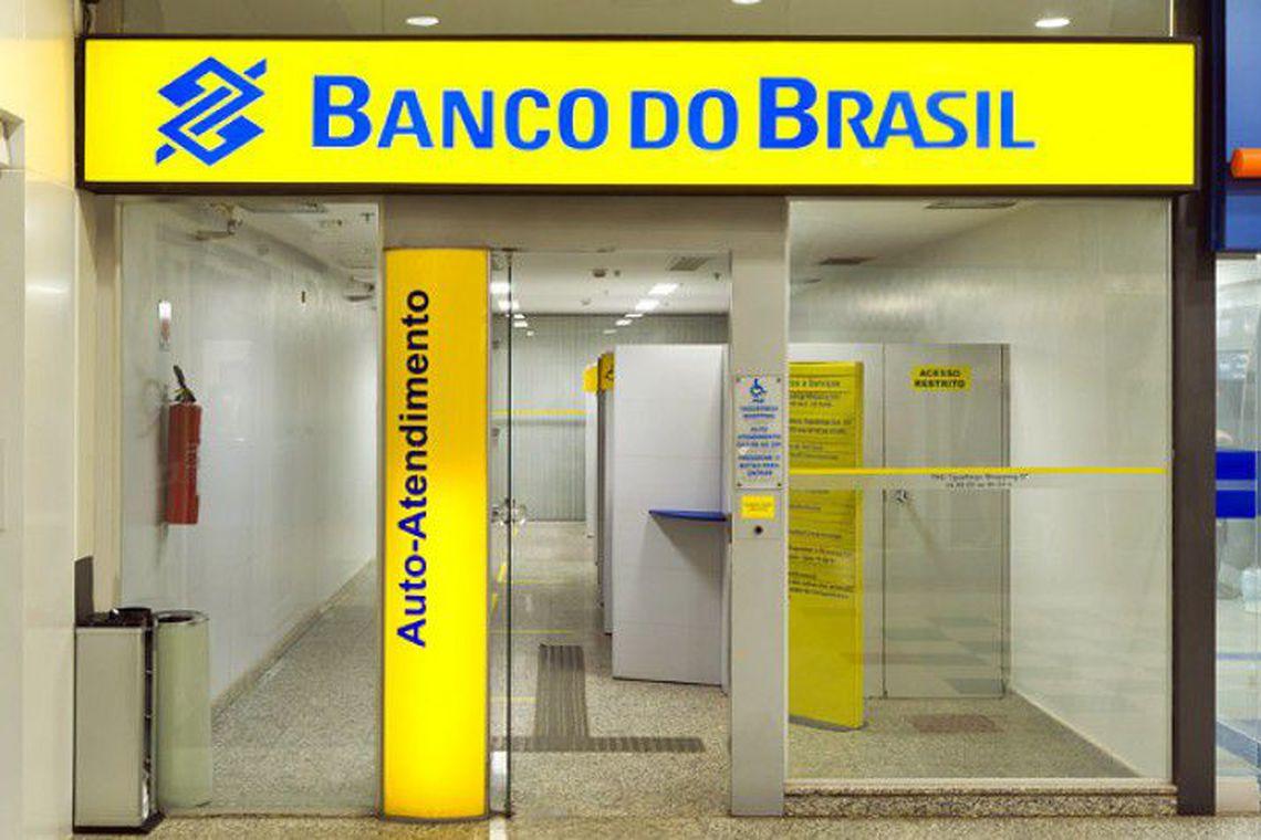 Bancos abrem em horário especial hoje